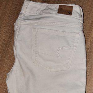 White skinny American Eagle jeans
